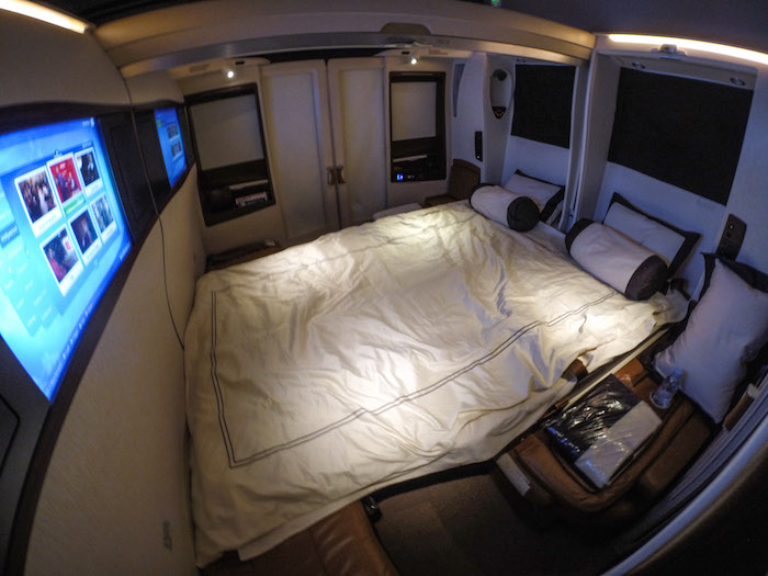 What it 39 s like to fly the 23 000 singapore airlines for Letti fantastici