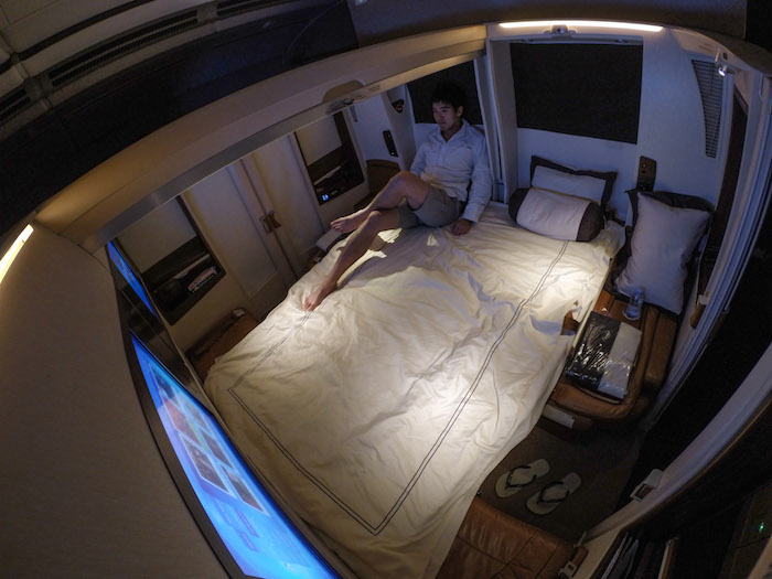 What It S Like To Fly The 23 000 Singapore Airlines Suites Class